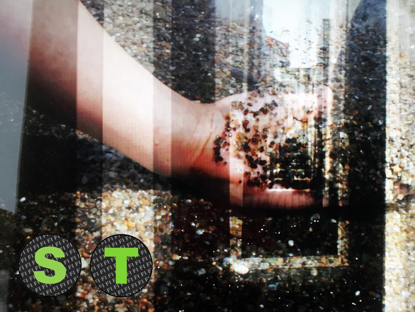 Azar Sayair: Historia valuu kynsien alta teoskuva
